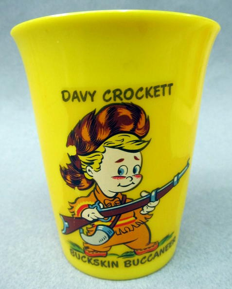 DAVY CROCKETT Buckskin Buccaneer Childs Cup Yellow Hard Plastic With Full Color