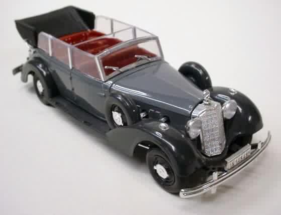 21 1938 Grande Mercedes 7 Litre Base Plate Says It Is 1937 Gray With Dark Fenders And Red Interior