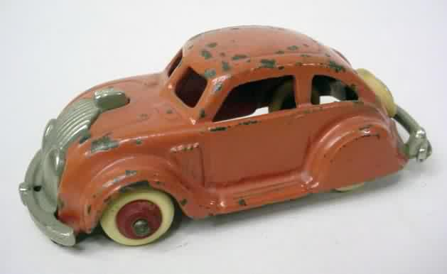 """BARCLAY MANOIL HUBLEY  4 WHITE RUBBER TIRES MOUNTED ON 5//16/""""  WOOD HUB O.D  9//16"""