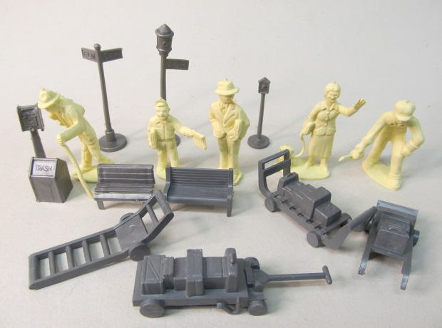 Gasoline Alley Antiques Playset And Figures Sales List