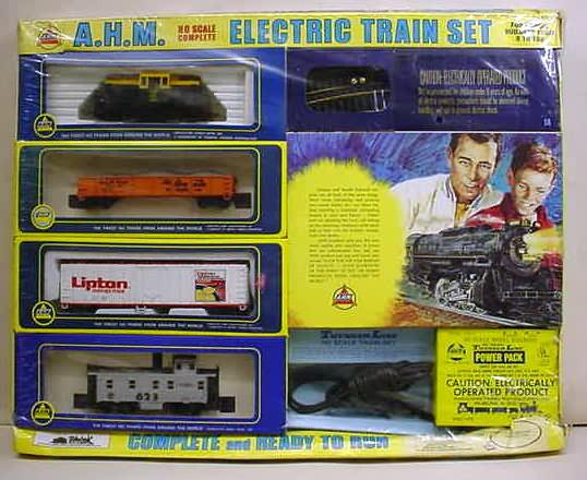 vintage HO and HOn3 scale railroad trains and accessories ...